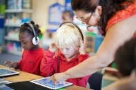 student-with-ipad-technology-in-the-classroom1